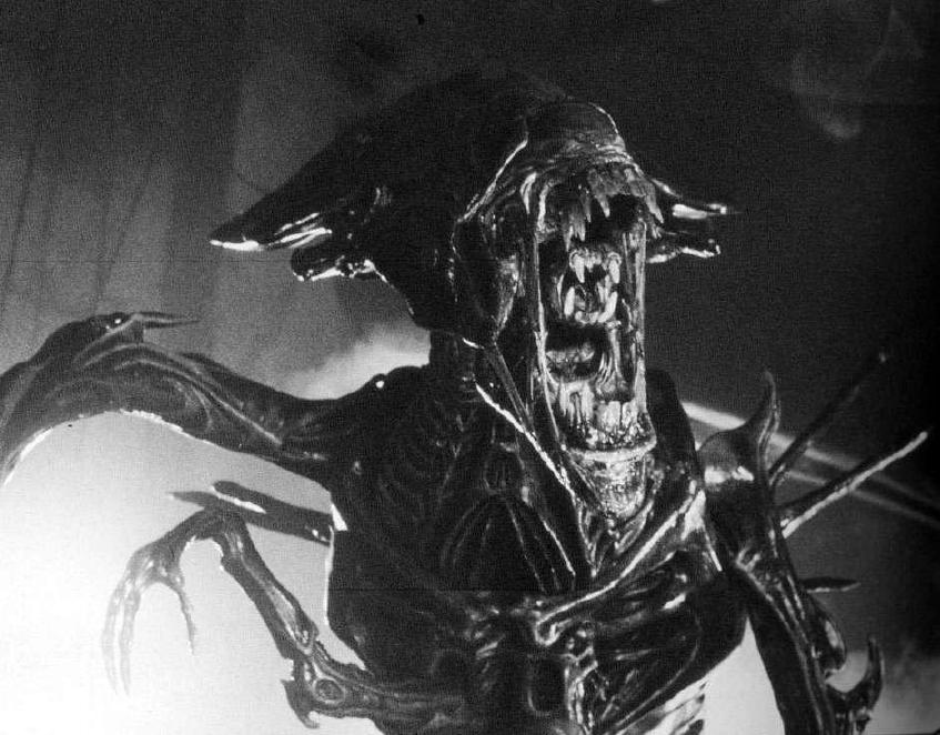 Prometheus, Alien, and Aliens – A Spoiler-Free Discussion ...Xenomorph Queen Prometheus